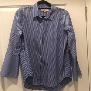 Wide arm button up
